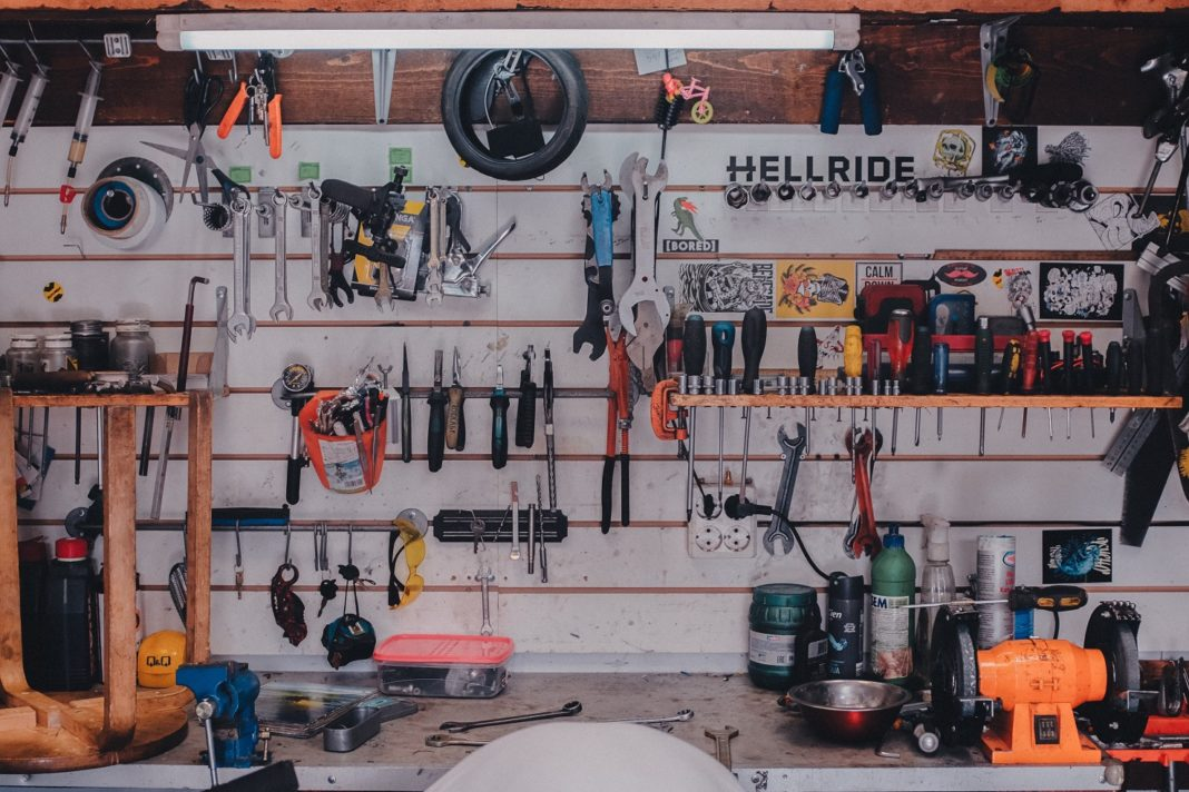 Sklep pneumatyczny – gdzie kupić profesjonalne narzędzia pneumatyczne