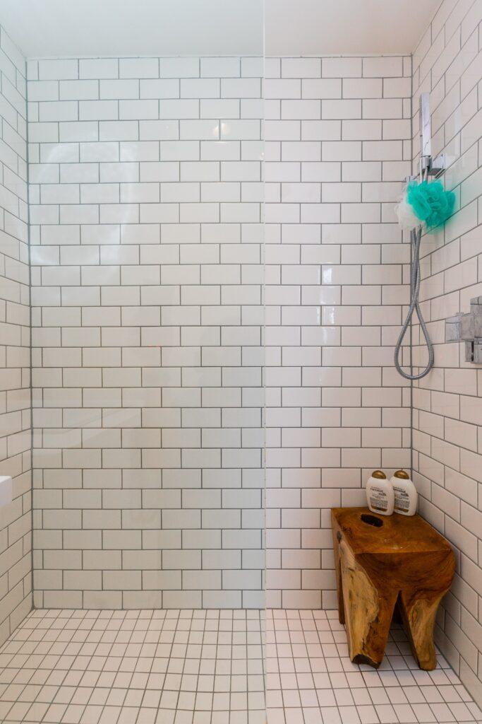 Wodoodporne fugi do łazienki