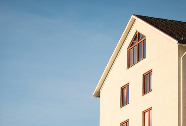 Plusy i minusy domu piętrowego