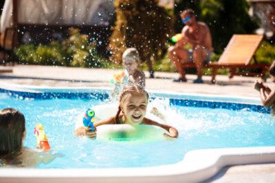 Nie chcesz, aby obecna sytuacja popsuła Twoje plany wakacyjne Pomyśl o montażu basenu w ogrodzie